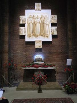 Immagine_015_Protomartiri_francescani_-_altare_a